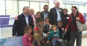 Local residents & Metro United Church welcome Syrian family