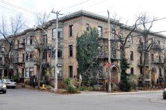 Hampton Mansions celebrates 100 years.