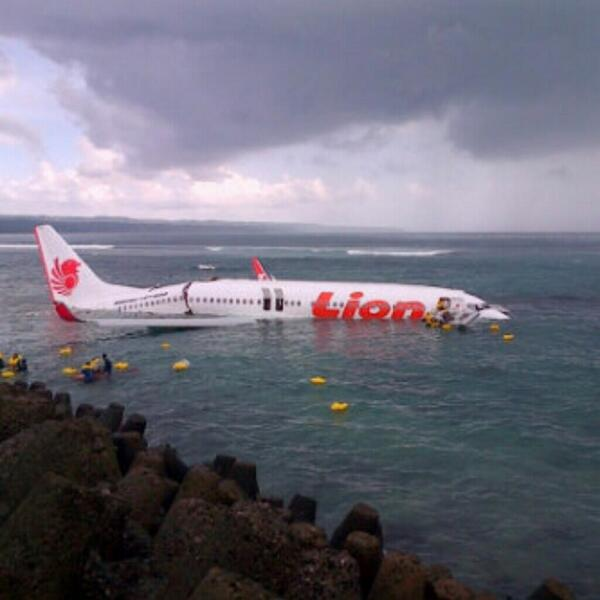 A Lion Air B737 landed in water short of the runway in Bali last April 13