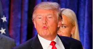 d-trump-smooch-fi