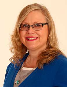 Shauna Snow-Capparelli teaches media ethics and the impacts of journalism on society as an associate professor of journalism at Mount Royal University. A former Los Angeles Times reporter, she maintains close ties to her adopted homeland.